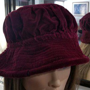 VICTORIAN HAT VELOUR RED